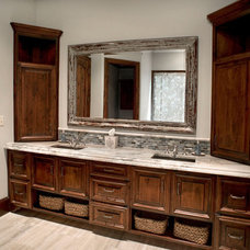 Traditional Bathroom by Durrett Homes