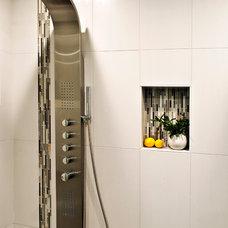 Modern  by Yana Mlynash | Kitchen & Bath Designer