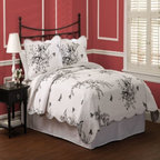 Pem America - Evans Meadow Full / Queen Quilt with 2 Shams - Includes 1 full / queen size quilt and 2 pillow shams. Prewashed for softness. See care label for instructions. Made in China.