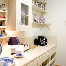 Craftsman Kitchen by Jancy Ervin Interiors