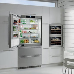 """Liebherr - Premium Plus HC-2061 36"""" 19.4 Cu. Ft. Built In Bottom Mounted Refrigerator  Digi - The fully integrated 36 wide refrigerator-freezer combination can be hidden behind your kitchen cabinetry or integrated with stainless steel doors With precise electronic controls and SoftTouch technology it will keep the perfect selected temperature..."""