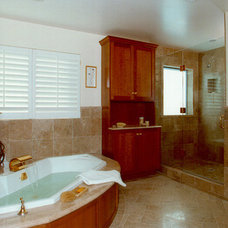 Traditional  by Harrell Remodeling