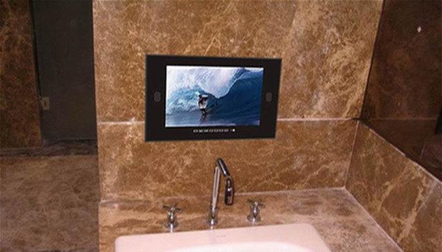 Modern Bathroom by bruce