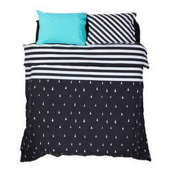 SWENYO - Helsinki Duvet Cover, Black, Twin - Northern spirit. It's no accident that this design is named after the capital of Finland, home to some of our favorite mid-century and iconic Nordic designs. Black and white, simple and bold, this is our homage to the Scandinavian vibe. Choosing this iconic design gives a nod to where graphic style has been and where It's going. Because sometimes, it takes a minimal touch to make a grand statement.