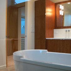 Modern Bathroom by Stephen Dalton Architects