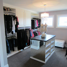 Modern Closet by Tailored Living