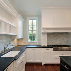Contemporary Kitchen by Malli Homes, LLC