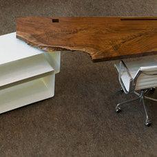 Modern Desks by FRINGE STUDIO