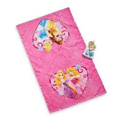 Disney - Disney Princess Tiara Bath Towel and Wash Mitt Set - This bath towel and wash mitt set is perfect for your little princess, featuring a bath towel with a beautiful Disney Princess print and a shaped wash mitt.