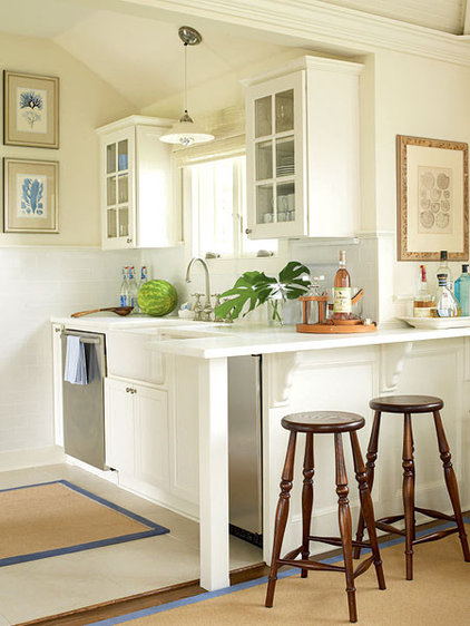 Small Beige Clean Kitchen - MyHomeIdeas.com