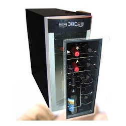 Avanti - 12 Bottle Wine Cooler OB - Avanti EWC1201 Counter-top Wine Cooler (overboxed)