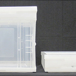 Trinity - Clear Small Collapsible Crate with Lid (Pack of 4) - This convenient collapsible crate will add more organizational space to any storage area. Made of durable polypropylene,it comes in a clear color that allows you to see its contents. Since it is collapsible,it is easy to store when not in use.