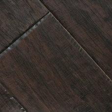 Traditional Hardwood Flooring by Fantastic Floor