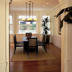 traditional dining room by Buttrick Wong Architects