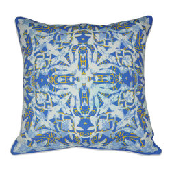 "Loom and Mill - Loom and Mill P0026-1818P 18"" x 18"" Blue Damask Decorative Pillow - Inspired by Traditional French design with a contemporary twist, these decorative pillows add style and comfort effortlessly.  Spot clean only."