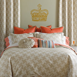 Trafalgar Duvet Set - Fit for royal guests and commoners alike, our luxurious 300tc cotton sateen duvet set features our hand-drawn houndstooth pattern in soft putty and white-striped checks. Set includes a duvet cover and matching shams with a self-flange and flat piping in solid putty-colored cotton sateen. Duvet and shams reverse to solid putty cotton sateen.