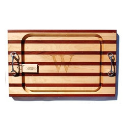 Double Handle Equestrian Bit Steak Board - This is so unique for the horse lover in your family. This equestrian bit board adds a definite status to any party or dinner.