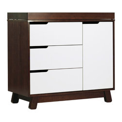 Babyletto - Babyletto Hudson Espresso/ White 2-tone Changing Table - Provide a convenient place to change your baby's diaper with this stylish changing table from Babyletto. It features three large drawers and a storage area that will allow you to keep your nursery necessities neatly organized and within reach.