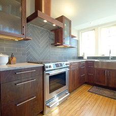 Modern Kitchen by Osborne Construction