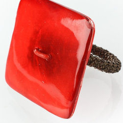 Desert Luminious Square Shell Napkin Ring by Deborah Rhodes - Add a bit of modern shine with these square red shell napkin rings by Deborah Rhodes.