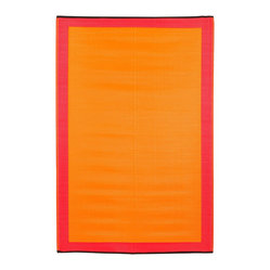 Fab Habitat - Indoor/Outdoor Skien Rug, Orange Peel & Rouge Red, 5x8 - Color your world — indoors or out — with this remarkable rug. Woven from recycled plastic straws, it's super lightweight, defies mildew and cleans in seconds — simply shake or hose.
