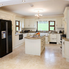 traditional kitchen cabinets by Glenvale Kitchens