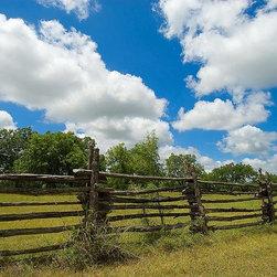 Magic Murals - Texas Ranch Fence Wallpaper Wall Mural - Self-Adhesive - Multiple Sizes - Magic - Texas Ranch Fence Wall Mural