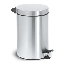 Blomus - Nexio Pedal Bin WasteCan - Matte - Put a cap on your exposure to trash. This sleek, pedal bin waste can offers a lid that stows it all away, so there are no disagreeable, in-your-face confrontations with the flotsam and jetsam of your life.