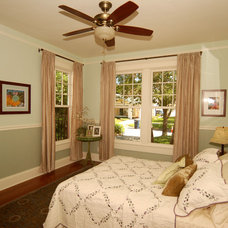 Traditional Bedroom by Javic Homes