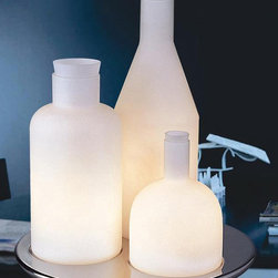 White Finish Three Glass Bottles On Tray Table Lamp - White Finish Three Glass Bottles On Tray Table Lamp is the best choice for your modern home decoration. It is in good designing with good quality. You are allowed to set them in the right room for perfect warm light. And it will also decorate your home with its stylish shape.