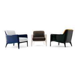 Designer armchairs - Italian furniture - design chairs & lounge chairs - Cocca armchair by Arflex available through www.momentoitalia.com     Modern Italian made armchairs and chaise lounges, designer chairs, Italian furniture armchair and chaises with a modern style and the superior Italian quality, made in Italy and imported from Italy. Top quality Italian designer  furniture. To get more information about this product please call Momentoitalia by CGS Group Inc  at 212 366 1777 or visit www.momentoitalia.com