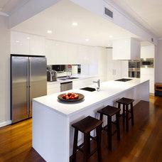Modern Kitchen by Kitchens By Design Australia