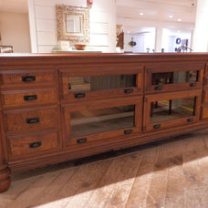 Traditional Kitchen Islands And Kitchen Carts by New England Artisan Gallery, Inc.