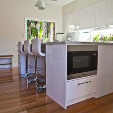 Modern Kitchen by Kitchens by Kathie