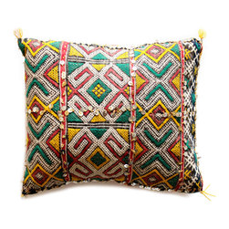 Baba Souk - Ethnic Hand-Weaved Kilim Pillow - Exotic hand-weaved Berber cushions. All wonderfully eccentric. Truly artistic creations. A delight for you and your interior design.