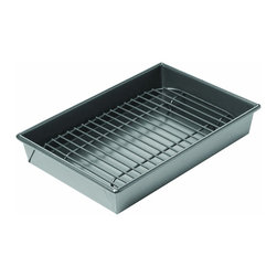 Chicago Metallic Nonstick Petite Broil & Roast Pan - Here's a small-size roasting pan for a small-size oven.