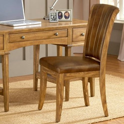 Hillsdale Grand Bay Chair - Medium Oak