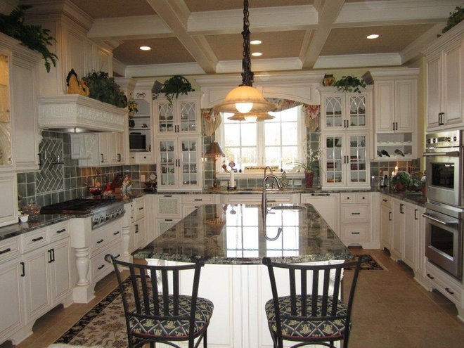 Traditional Kitchen Islands And Kitchen Carts by 1st Choice Cabinetry/ Professional Builders