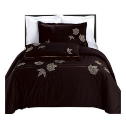 Bed Linens - Newbury Embroidered Multi-Piece Duvet Set King-California King - You are invited to experience the comfort, luxury and softness of our luxurious Embroidered duvet covers. Silky Soft made from 100% Egyptian cotton with 300 Thread count woven with superior single ply yarn. Quality linens like this one are available only at selected Five Stars Hotels.