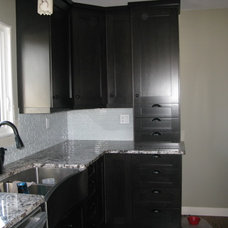 Contemporary Kitchen Cabinets by Master Key Homes Ltd/Precision Elegance Cabinets