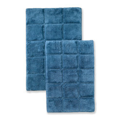 Superior Collection Luxurious Cotton Checkered Bath Rug Set - Sapphire - These durable bath rugs feature a basic checkered pattern and are constructed of premium combed cotton with a non slip latex backing. Available in 10 exciting colors. Dimensions: 24 inches x 36 inches & 20 inches x 30 inches.