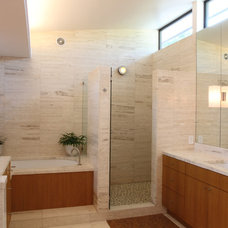 Contemporary Bathroom by David Benners Architecture