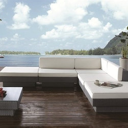 Ezra Patio Sectional Set - Features: