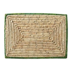 Serena & Lily - Nantucket Placemats  Grass (Set of 4) - A combination of seagrass and palm leaves creates the perfect setting.The colored trim adds color but keeps things easy to work with.