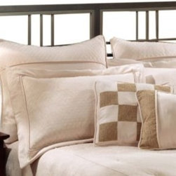 Hillsdale - Hillsdale Tiburon Headboard with Rails - Modern and metropolitan, the Tiburon bed appeals to the more contemporary decor. With straight lines and sharp angles, this bed is sophisticated in its simplicity.