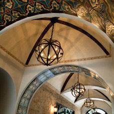 Mediterranean Hall by Maraya Interior Design