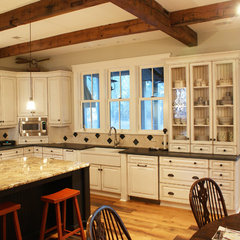 traditional kitchen by Faralli Kitchen and Bath Design Studio