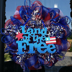 Patriotic Star Fourth of July Wreath by Dziner Doorz