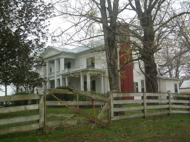 We Can Dream An Expansive Tennessee Farmhouse on 750 Acres