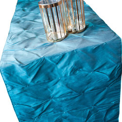 Vintage Maya - Andaman Dining Table Runner - Bring a beautiful splash of bold color to your dining table with this Andaman table runner. Inspired by the vibrant waters of the Indian Ocean, this runner will help you create a dazzling table display.